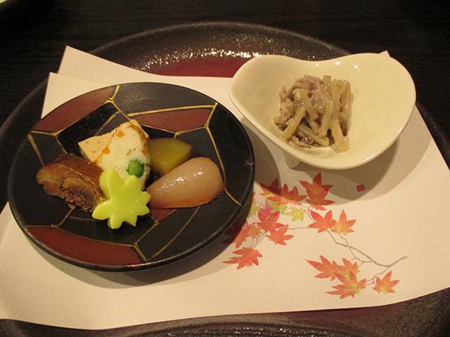 乃ぶお - 牛肉とごぼうのごま酢和え・銀杏豆腐、鮎の甘露煮、らっきょの梅肉煮、いもしんじょう、栗の裏漉し豆腐