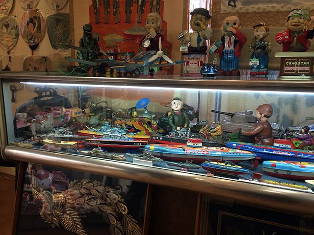 ブリキのおもちゃと人形博物館 - マンガミュージアム