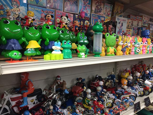 ブリキのおもちゃと人形博物館 - 棚2