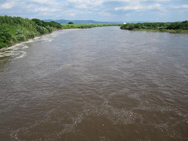 木津川の流れ