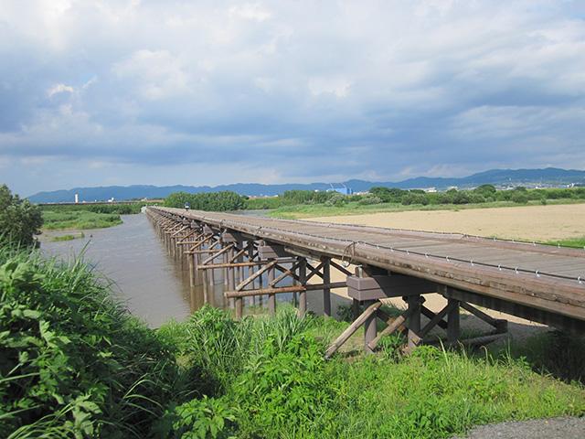 流れ橋 - 橋脚1