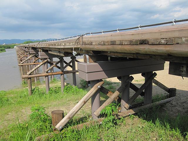 流れ橋 - 橋脚2