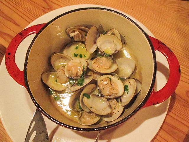 オステリア センプレ - 蛤の白ワイン蒸し