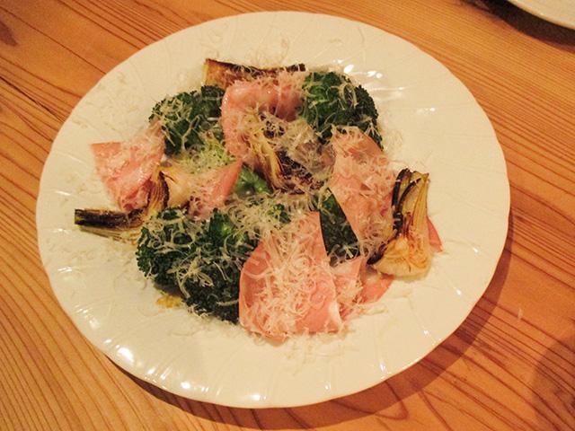 オステリア センプレ - 新タマネギとブロッコリーのオーブン焼き