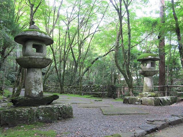 高山寺 - 石灯籠