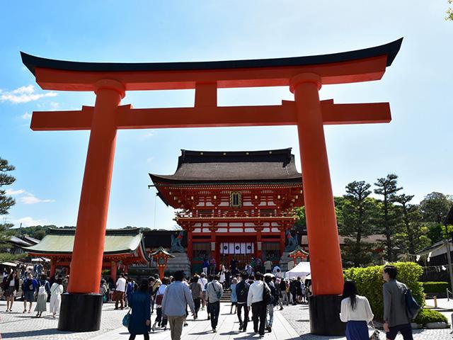伏見稲荷大社 - 楼門