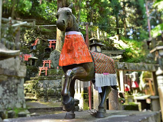 伏見稲荷大社 - 狛馬