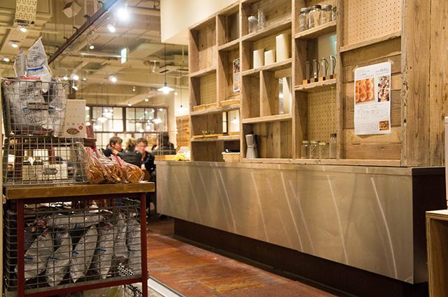 mumokuteki cafe & foods - 店内1