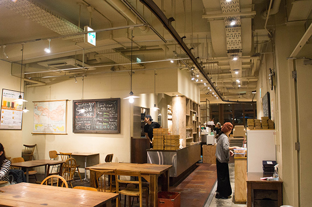 mumokuteki cafe & foods - 店内2