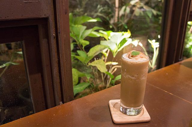 mumokuteki cafe & foods - 席2