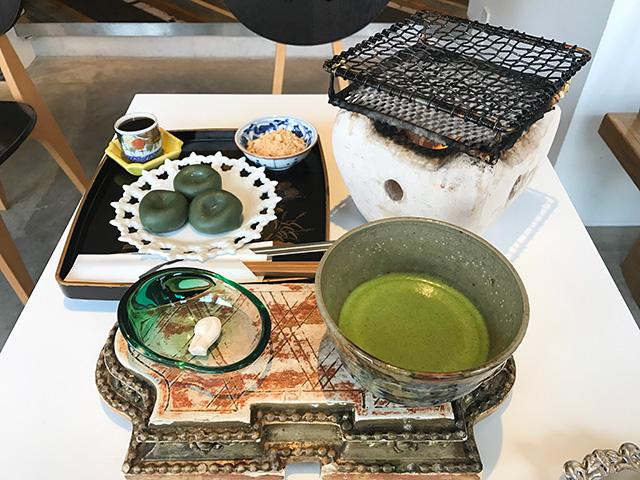 お茶と酒 たすき - 焼き麩まんじゅう1