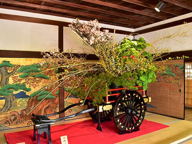 大覚寺の「華道祭」 - いけばな2