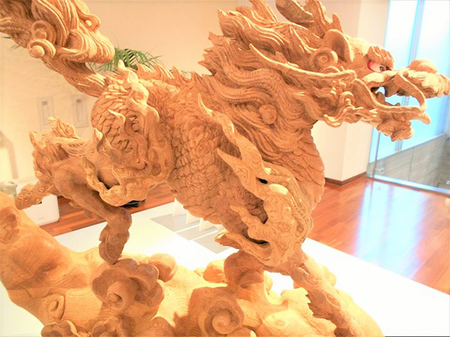 京都伝統工芸館 - 木彫刻キリン