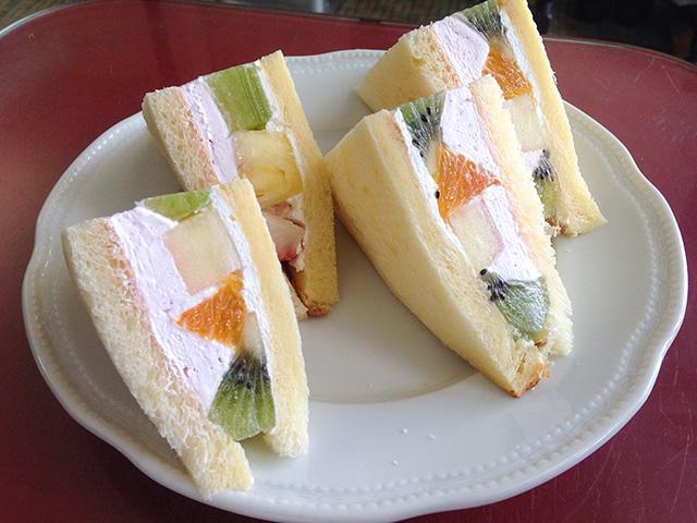 静香 - フルーツサンド