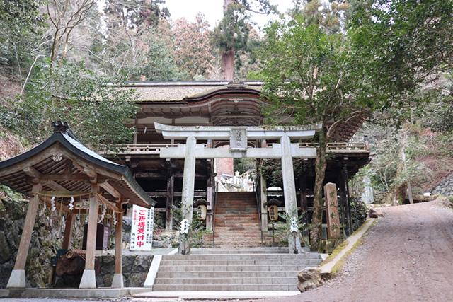 由岐神社 - 拝殿1