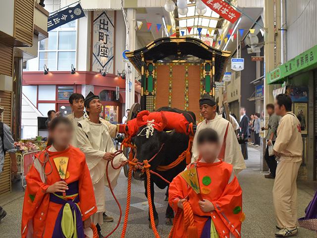 御霊祭(御霊神社)- 牛車