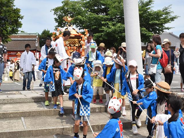 折上稲荷祭(折上稲荷神社)- 子ども神輿