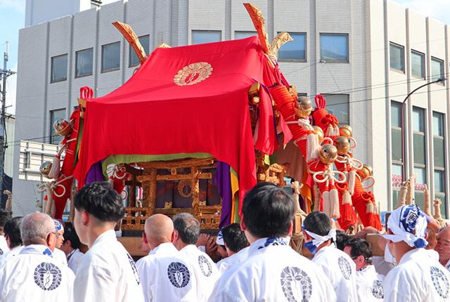 剣鉾と神輿が練り歩く春日祭 | 京都観光情報 京都ツウ読本