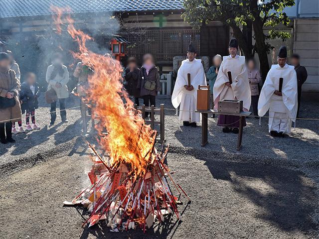 古札焼納祭2(西院春日神社)