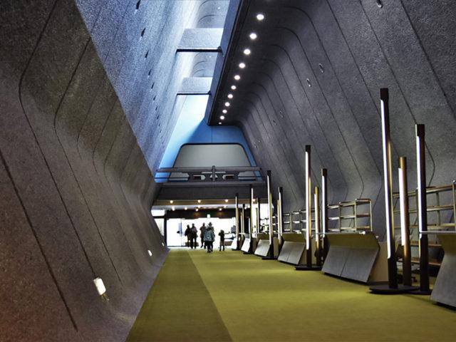 国際会館3