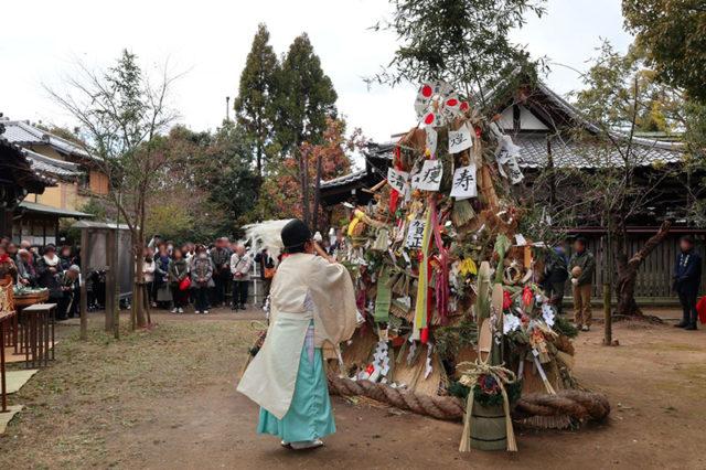 新熊野神社 - 左義長神事2