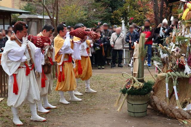 新熊野神社 - 左義長神事3