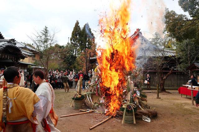 新熊野神社 - 左義長神事5