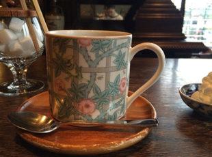 名曲喫茶「柳月堂」で重厚なクラシックに包まれる